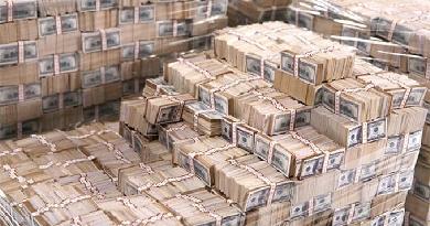Изображение пачек долларов