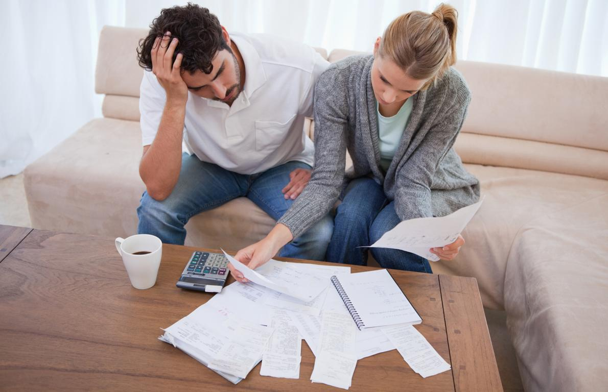 Parlamentdə problemli kredit məsələsi qaldırılıb